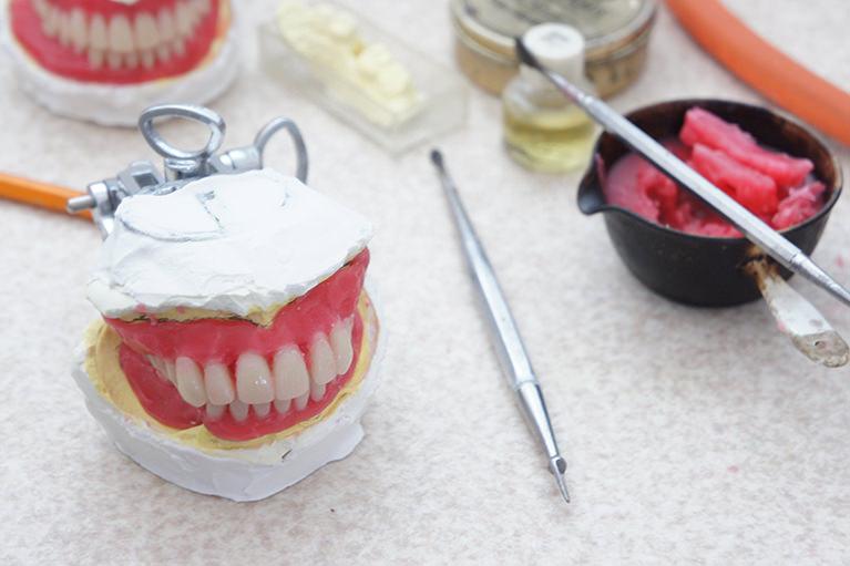 自費診療による義歯作成